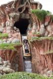 Splash_Mountain_at_Disneyland_-_final_drop.jpg
