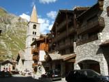 Val-dIsere-église-chemin-du-Charvet.JPG