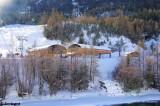 Les gares aval vues depuis l'office de tourisme.JPG
