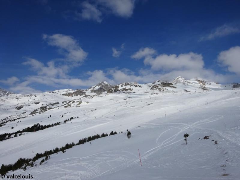 La partie supérieure du plateau du Jeu vue depuis la gare amont du télésiège de l'Eterlou.JPG