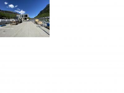 Image attachée: Les cabines vont être chargées dans leur garage.jpg