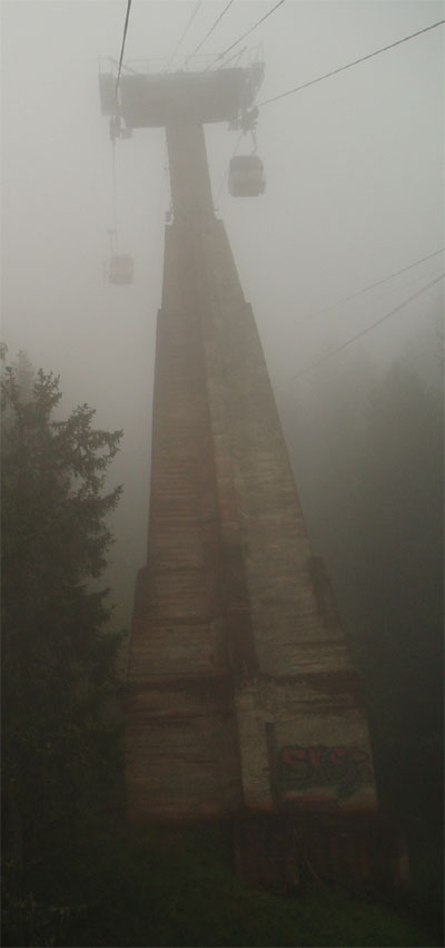 http://www.remontees-mecaniques.net/photos/uploads/Juin06/pylones-planpraz1.jpg